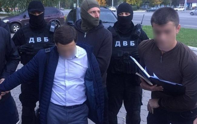 Фото: у Дніпрі 7 жовтня затримали суддю-хабарника