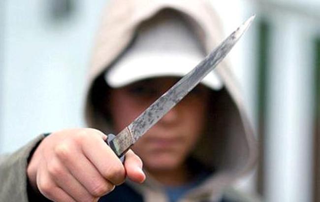 Фото: Подросток с ножом (ИжПортал.NET)