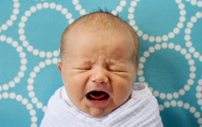 Фото: Немовля плаче (OtvetProst.com)