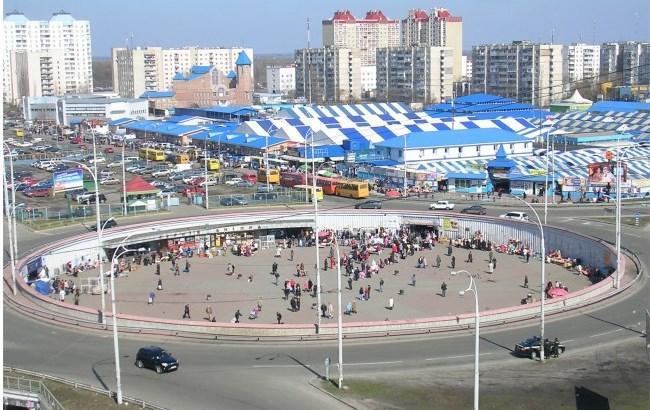 """Фото: возле станции метро """"Героев Днепра"""""""