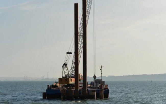 Фото: в Крыму приступили к установлению координат утонувшего плавкрана