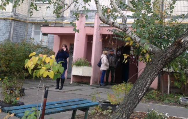 Фото: Подъезд журналиста Сергея Гришина на Оболони (facebook.com/grishyn)