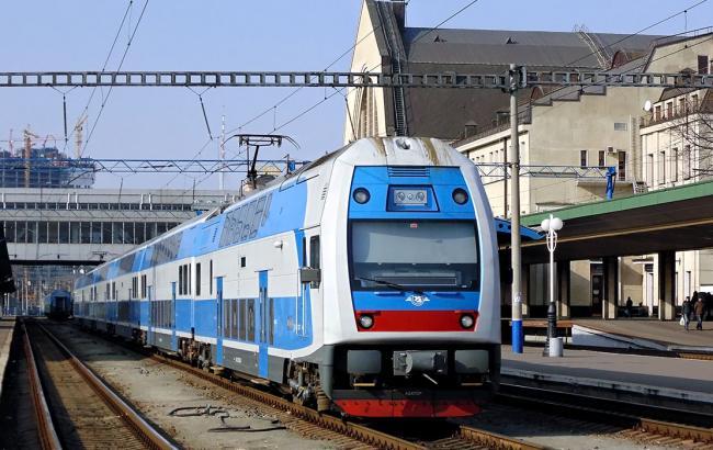 Фото: поїзд Skoda EJ675