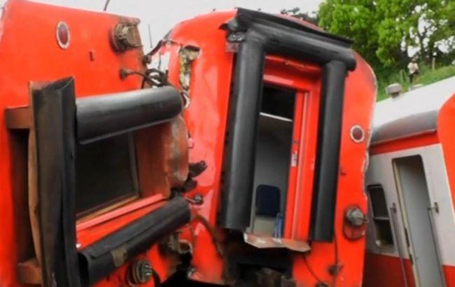 ВКамеруне сошел срельсов поезд, неменее 70 погибших