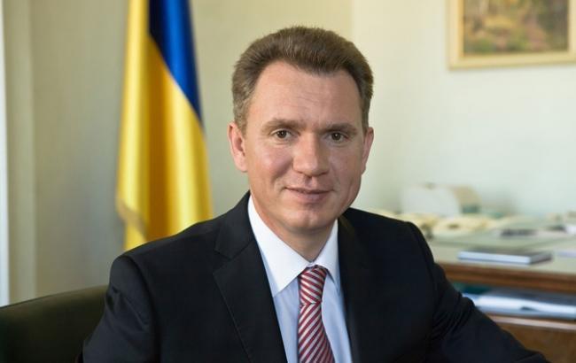 Фото: голова ЦВК Михайло Охендовський показав статки сім'ї