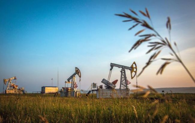 Фото: нафта дешевшає другий день поспіль