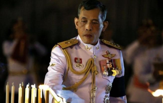 Фото: наслідний принц затримав спадкоємство, щоб приєднатися до людей у жалобі