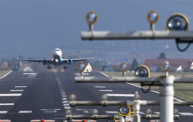 Фото: в Австрії запустили найкоротший у світі міжнародний авіарейс