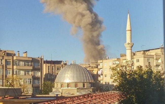 Фото: взрыв в Диярбакыре