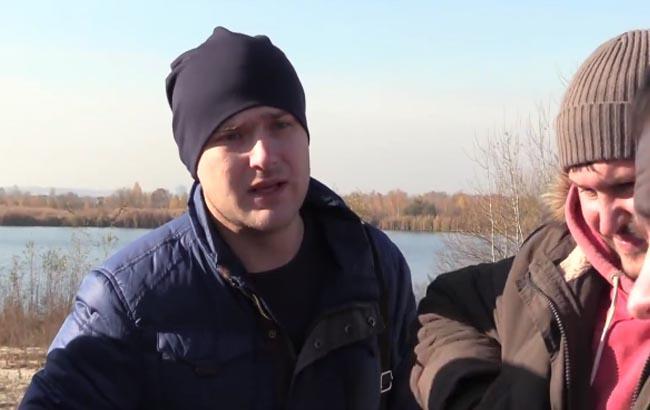 Фото: Володимир Гайков погрожує журналістам (Скріншот)