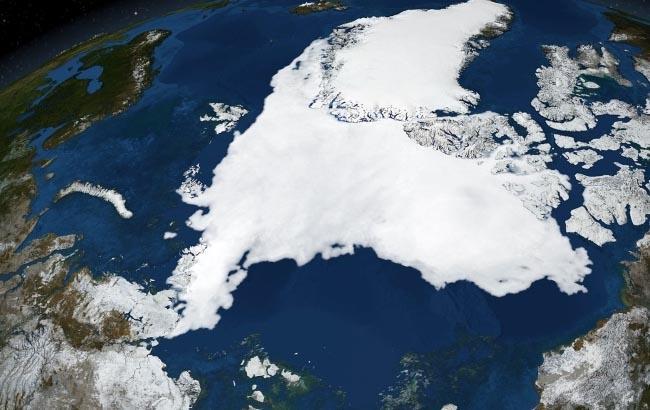 Фото: Танення арктичних льодів з космосу (990px.pl)
