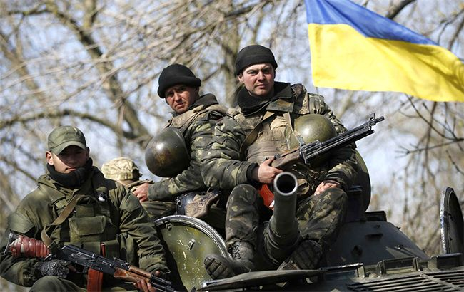 Фото: українські військові в зоні АТО