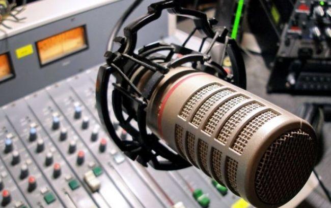Фото: перевірки призначені на чотирьох українських радіостанціях