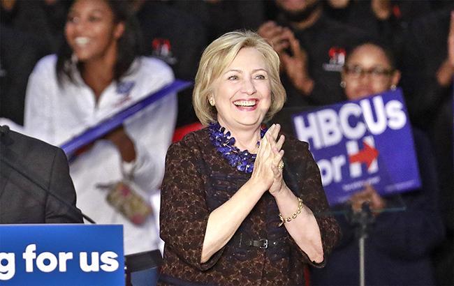 Фото: Хілларі Клінтон лідирує в 7 штатах, згідно з системою VoteCastr