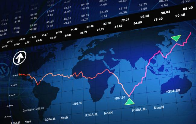 Фото: світові ринки обвалилися через можливу перемогу Дональда Трампа