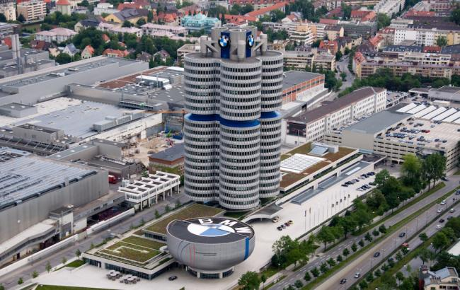 Фото: Акции BMW падают