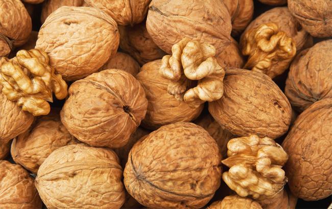 Вчені довели користь волоських горіхів для омолодження
