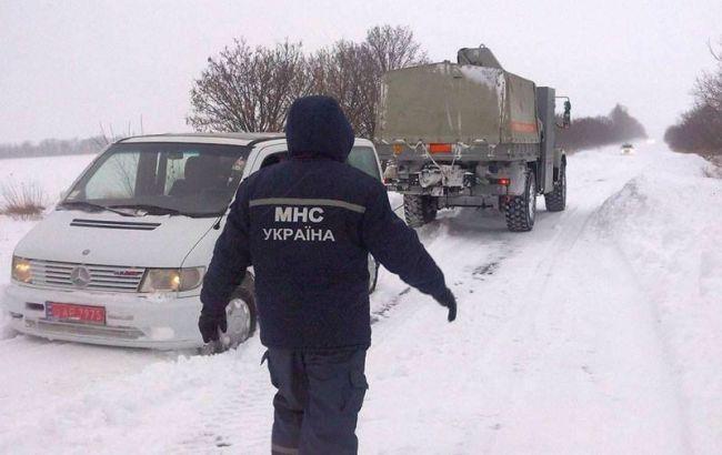 В Україні через снігопад затримки в русі окремих поїздів перевищують 3 години