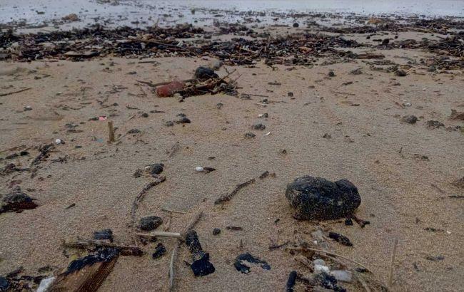 В Ізраїлі закрили пляжі на Середземному морі внаслідок розливу смоли