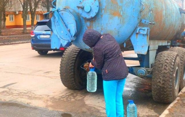 """В Лозовой уже шестые сутки нет воды: школьников могут отправить на """"дистанционку"""""""