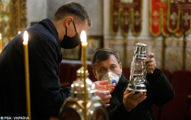 В Киеве и Запорожье попросили церкви перенести пасхальные богослужения в онлайн