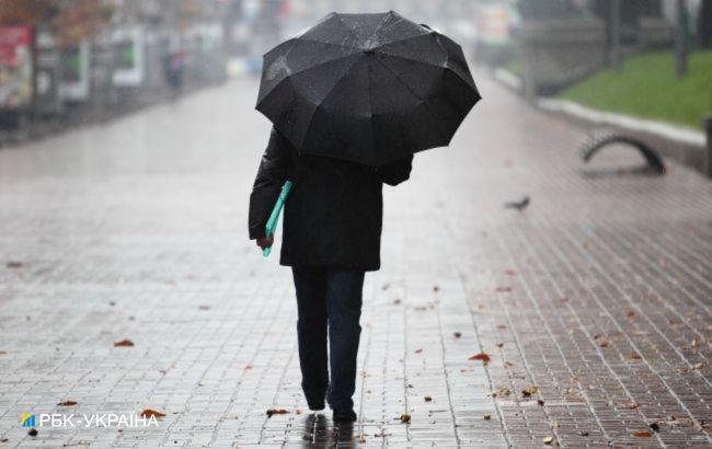 60% місячної норми: киян попереджають про залпові грозові дощі
