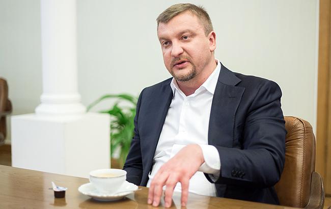Петренко заявив, що до введення візового режиму з РФ юридично все готово