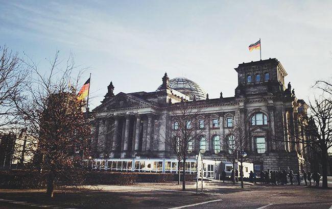 Немецкие депутаты посетили в апреле Крым по диппаспортам