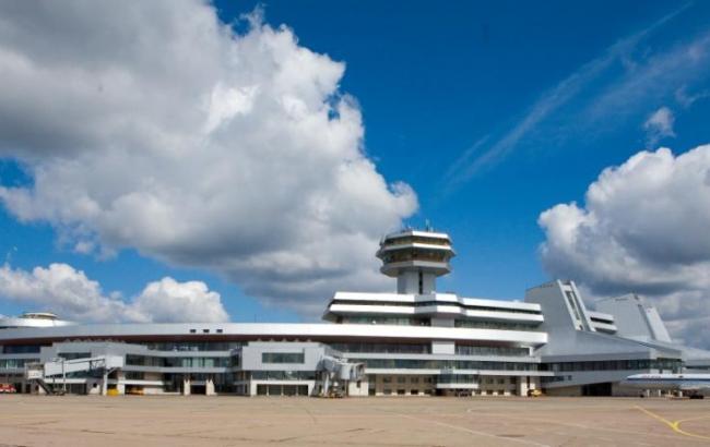 Фото: обрушившаяся на минский аэропорт буря повредила несколько самолетов