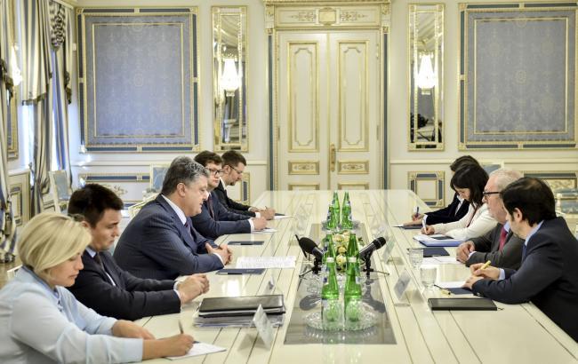 Порошенко призвал ПАСЕ придерживаться твердой позиции в отношении РФ