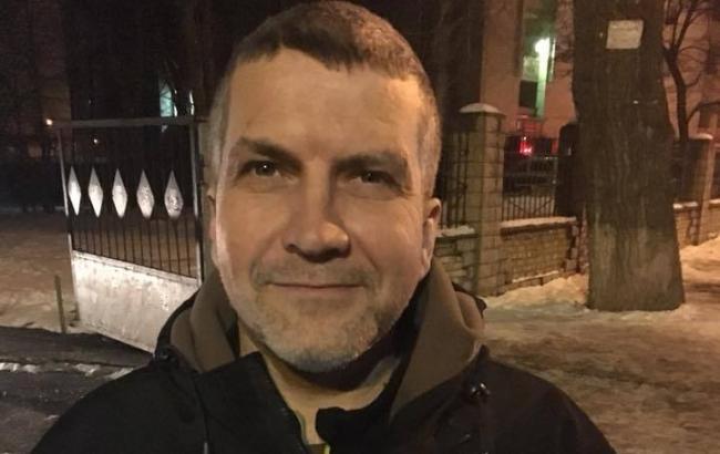 Задержанных уСоломенского суда активистов отпустили напоруки нардепов
