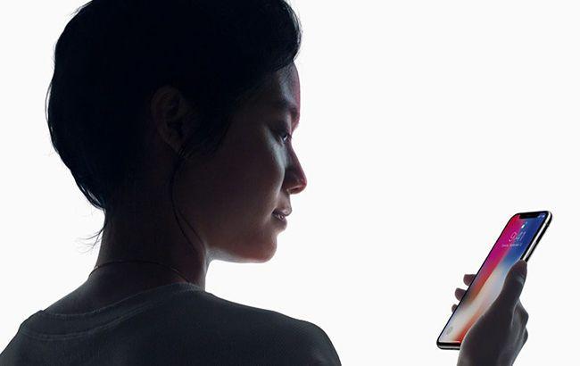 Пользователи iPhone X пожаловались на бракованные экраны