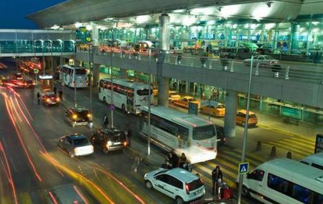 Фото: в стамбульском аэропорту произошла перестрелка