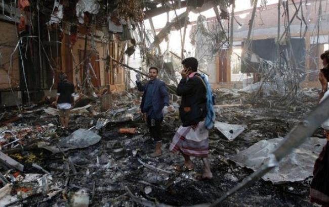 Фото: на похоронах в Йемене погибли 140 человек