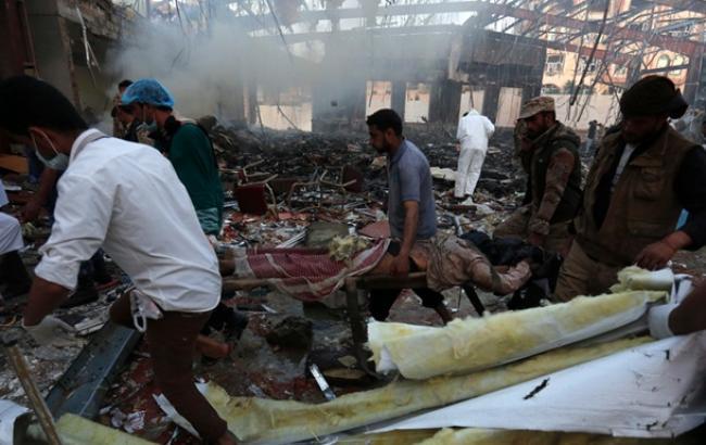 Фото: коалиция в главе с Саудовской Аравией отрицает свою причастность к авиаудару в Йемене