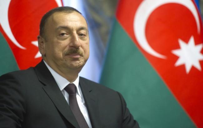 Фото: у Азербайджані голосуватиму щодо продовження правління Ільхама Алієва