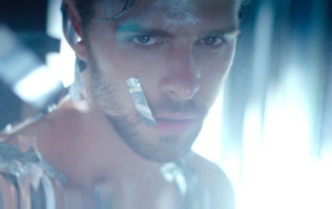 """Макс Барських порадував шанувальників новим чуттєвим відео: """"прекрасний і легкий настрій"""""""