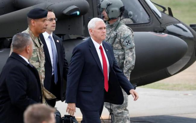 Фото: Майк Пенс посетил военную базу США в Южной Корее