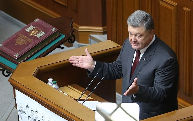 Фото: Порошенко рассказал, сколько Украина может тратить на свою оборону от РФ