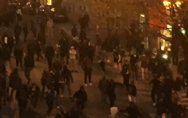 Фото: беспорядки в Брюсселе (twitter.com/RagnarWeilandt)