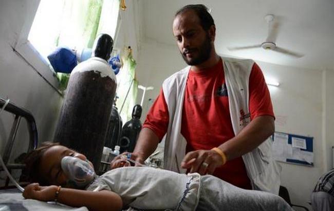 """Фото: """"Врачи без границ"""" эвакуируют персонал из больниц на севере Йемена"""