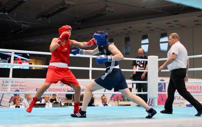 Фото: Мария Боруца в синем (dsmsu.gov.ua)