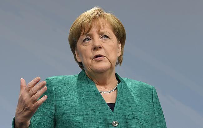 Меркель розкритикувала політику націоналізму напередодні виборів в Європарламент