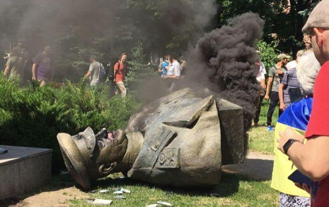 Поліція Харкова підтвердила обшуки через знесення пам'ятника Жукову