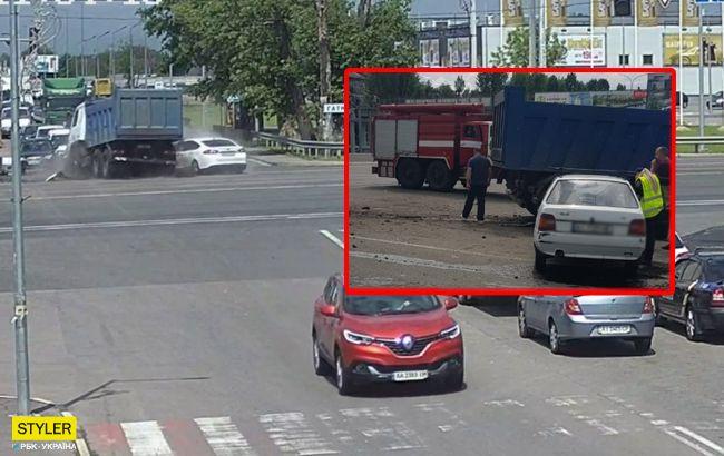 Байдужість геть вбила: деталі жахливої ДТП під Києвом (відео)