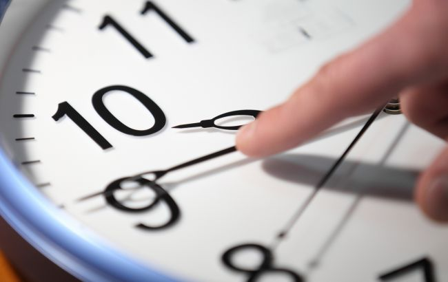 В Україні перевели годинники: котра зараз година?