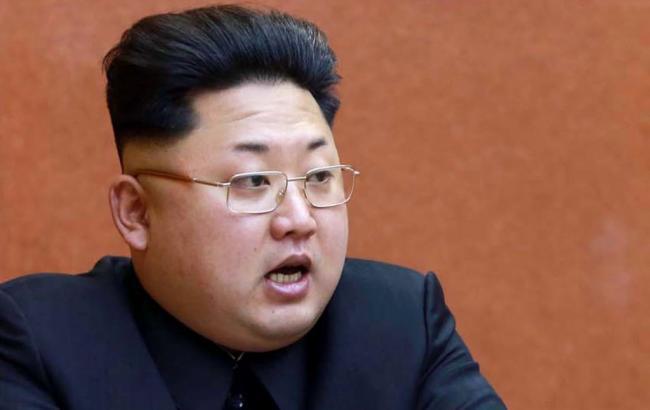 КНДР впервый раз представила баллистические ракеты подводных лодок
