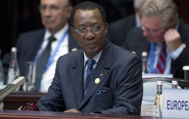Руководил страной более 30 лет. Президент Чада погиб в столкновениях с повстанцами