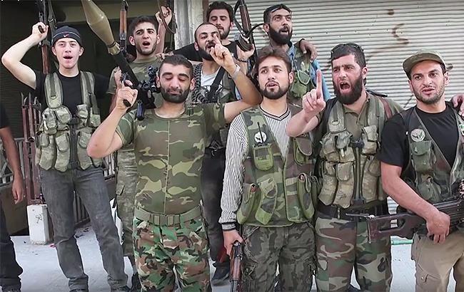 """Сирійська опозиція взяла під контроль 90% """"столиці"""" ІДІЛ"""