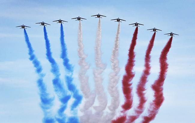 Фото: День взятия Бастилии во Франции (twitter.com/EmmanuelMacron)